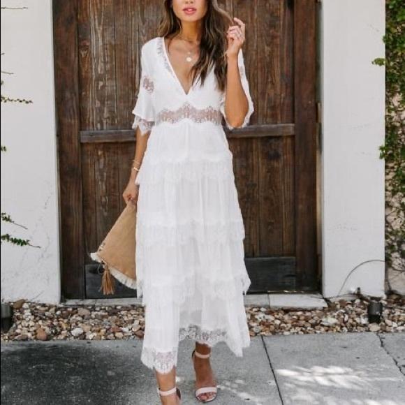 Vici Lace Tiered Midi Dress